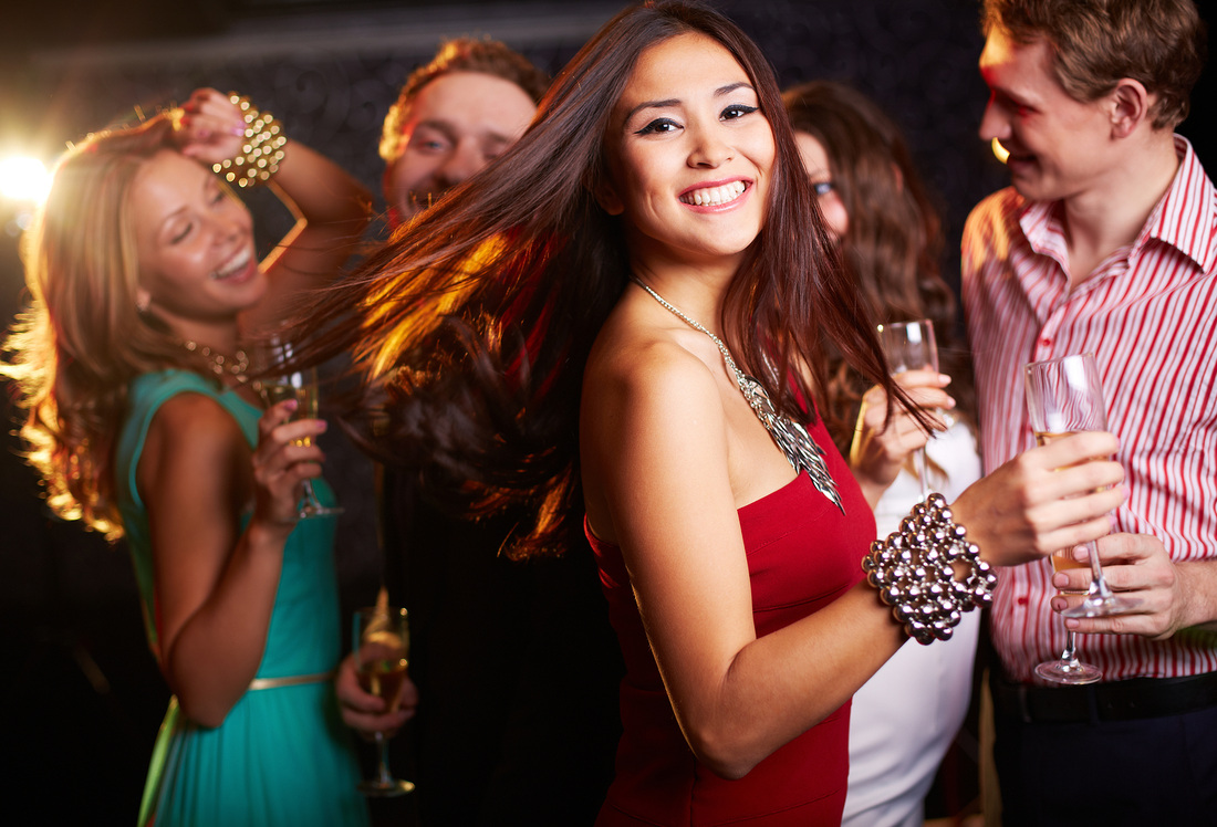 Dance club in Scottsdale limousine and party bus
